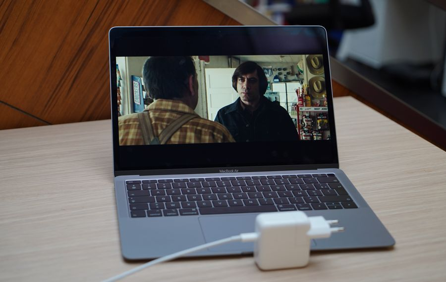 Duel Matebook 13 MacBook Air 17.jpg