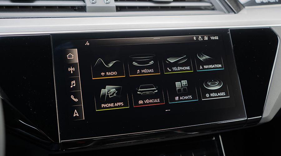 Audi-etron-55-ecran_1-WEB.jpg