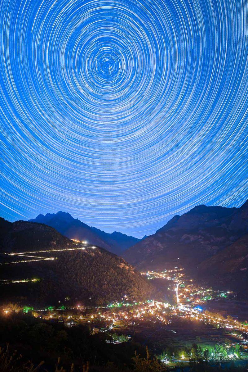 Le Circumpolaire Jouer Avec Les étoiles Et La Rotation De