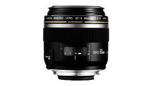 Soldes été 2014 : objectif Canon EF-S 60 mm f/2,8 à 272 €