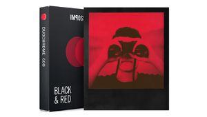 Impossible propose des films noir et orange ou noir et rouge