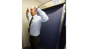 Contrôle d'aéroport : le scanner de Manchester vous voit nus. Images.