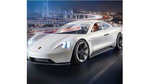Porsche Mission E, un bolide électrique vedette du film d'animation Playmobil