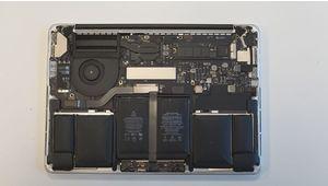 Tuto – Changer la batterie d'un Apple MacBook Pro est une opération difficile, mais pas impossible