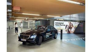 Daimler et Bosch lancent un service de parking avec stationnement autonome