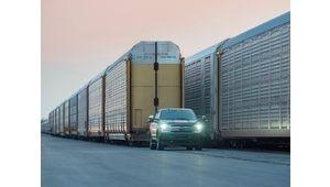 Un prototype de pick-up Ford F-150 électrique tracte un chargement de plus de 500 t