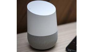 Google Home présenté comme l'assistant le plus intelligent, Siri fait mieux qu'Alexa