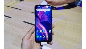 IFA 2019 – Prise en main du premier smartphone de TCL : le Plex