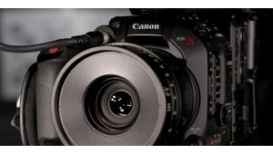 La caméra cinéma Canon EOS C500 Mark II peut filmer en 5,9K à 60 i/s