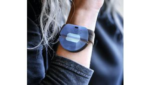 EVE, le bracelet anti-agression français candidat au James Dyson Award