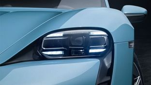 Porsche Taycan 4S : la voiture électrique de sport dévoilée sur Instagram
