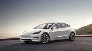 Tesla : Elon Musk veut faire causer ses voitures électriques