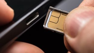 L'eSIM enfin disponible pour certains smartphones chez SFR, bientôt chez Bouygues