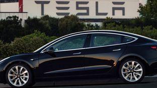 Tesla Model 3, une grosse épine pour le marché US des berlines de luxe