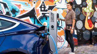 Le groupe Total va installer et opérer 20000 bornes de recharge aux Pays-Bas