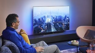 TV Philips OLED805 et OLED855 : nouveau processeur et télécommande inédite