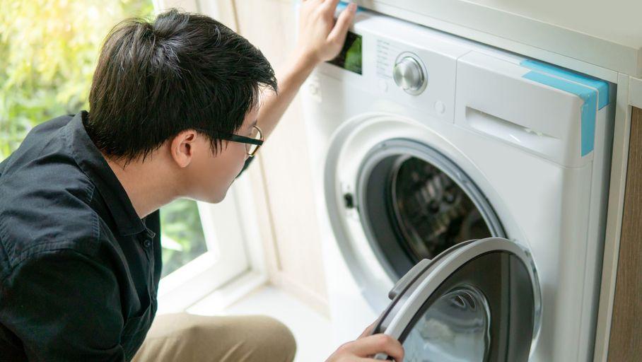 Pollution : un filtre à microplastiques bientôt sur les lave-linge