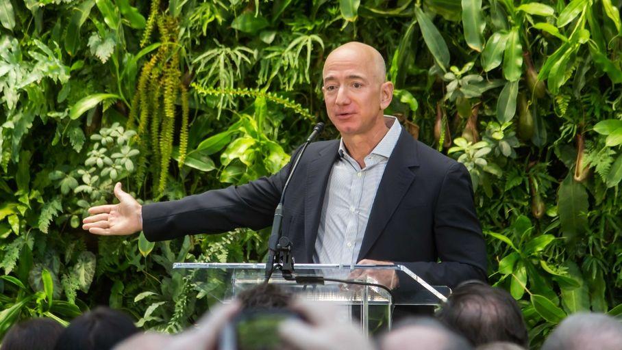 Jeff Bezos propose 10 milliards de billets pas si verts pour sauver la planète