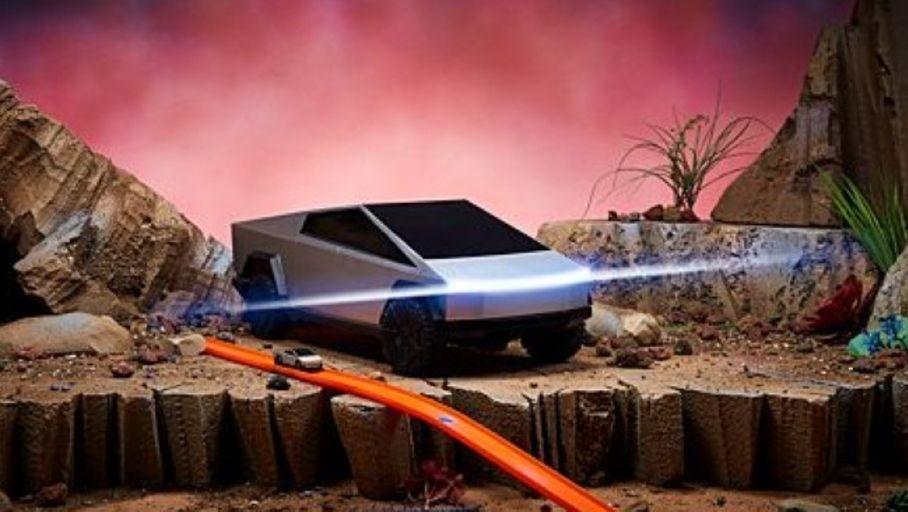 Le Cybertruck de Tesla miniaturisé et radiocommandé par Hot Wheels