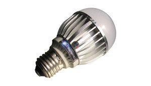 Tests à venir et top 5 : ampoules LED, valse des dalles, CPU...