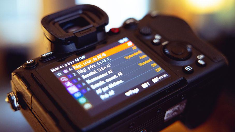 Labo – Le Sony Alpha 1 (A1) et son incroyable rafale à 30 i/s engloutissent 2,5 Go à la seconde - Les Numériques