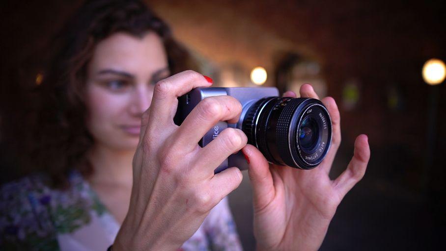 Alice Camera : un appareil photo Micro 4/3 qui se greffe sur un smartphone - Les Numériques