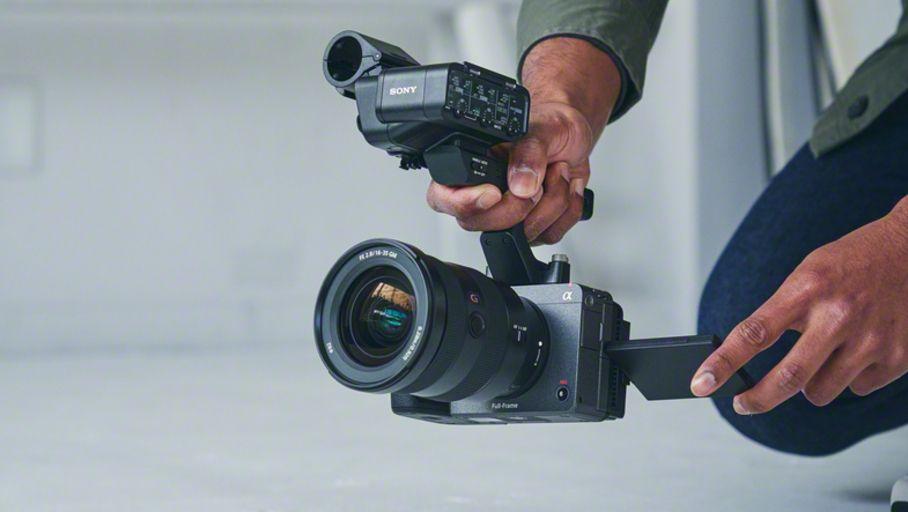 Sony FX3 : une caméra cinéma ultra-compacte inspirée des hybrides 24x36 A7S III - Les Numériques