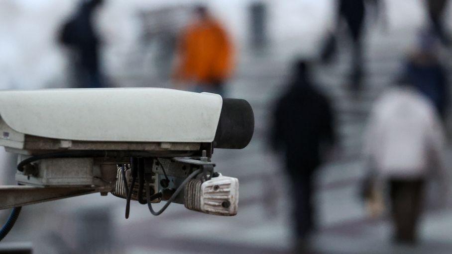 Un immense piratage de caméras de surveillance expose Tesla, des hôpitaux, des prisons, etc. - Les Numériques