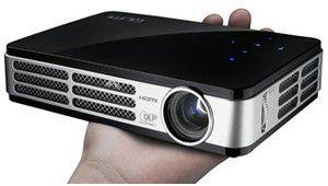 Vivitek annonce le QUMI, un projecteur LED HD de poche