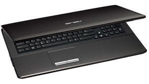 Asus X93SM-YZ124V : notebook 18,4'' avec dalle Full HD et Blu-ray