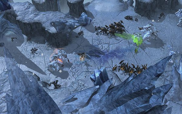 Starcraft 2 Heart of the Swarm 01 600px
