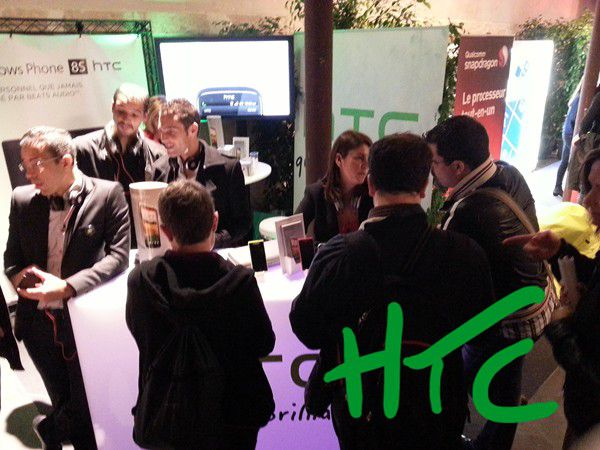 factory htc stand