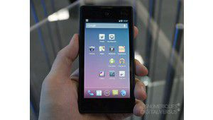 [MAJ] MWC 2103 : YotaPhone, le smartphone double-face venu de Russie