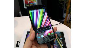 Factory 2013 : le smartphone Full HD Archos 50 Oxygen en démo