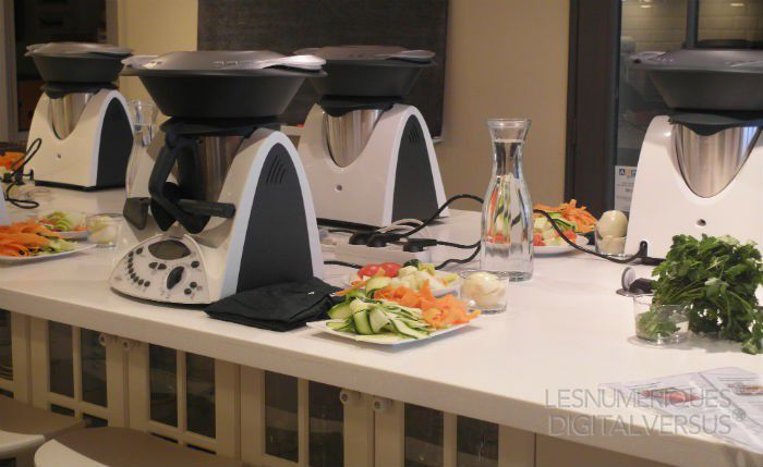 thermomix tm31 le c l bre robot culinaire entre en test au labo les num riques. Black Bedroom Furniture Sets. Home Design Ideas