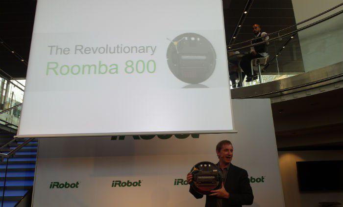 IRobot%20Roomba%20880%20pr%C3%A9sent%C3%A9%20par%20Colin%20Angle