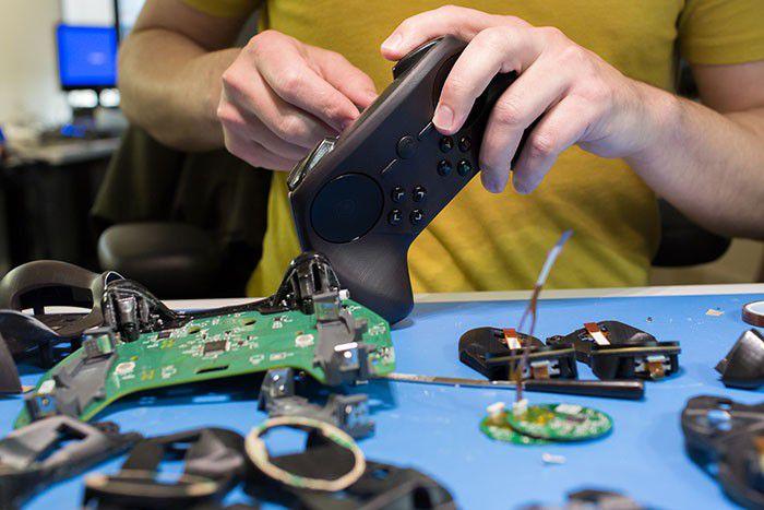 Steam Controller Work 201403 GDC 700px