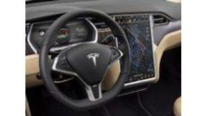 Mondial de l'auto – La planche de bord tactile de la Tesla Model S