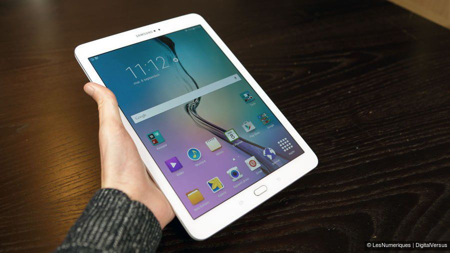 Test labo l 39 cran super amoled de la samsung galaxy tab for Photo ecran tablette samsung