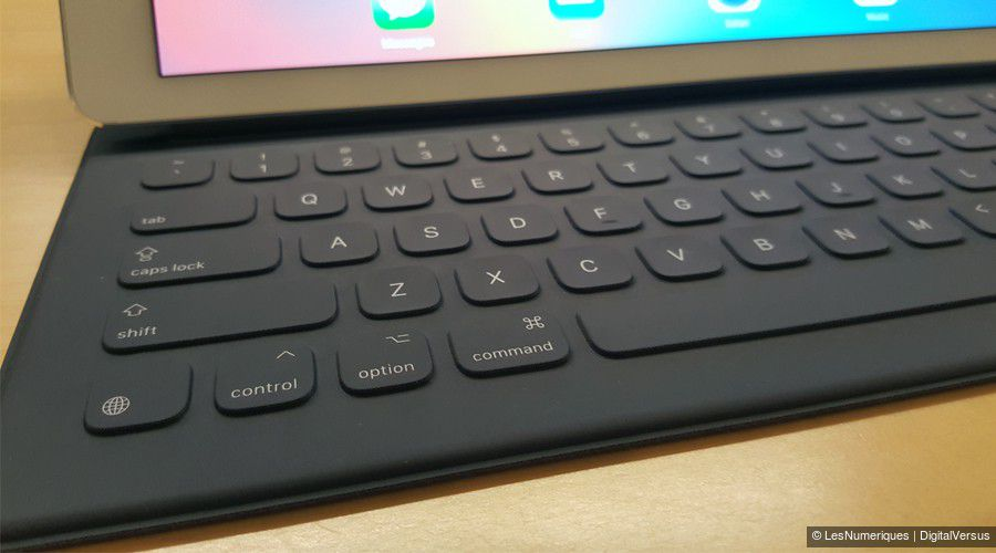 apple-ipad-pro-clavier-zoom.jpg