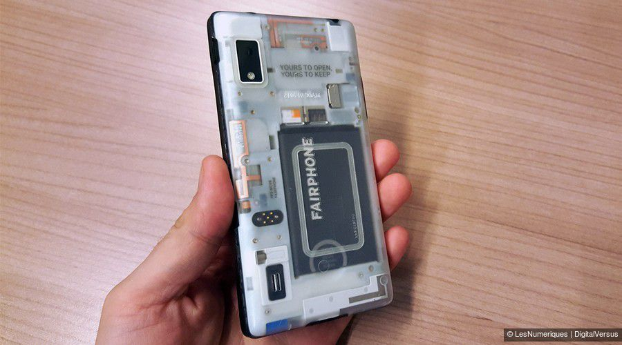 fairphone-2-dos-transparent.jpg