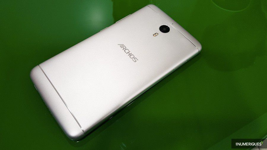 archos-diamond-2-note-dos.jpg