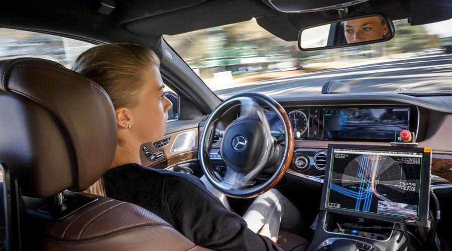 Mercdes-Autonomous-Driving.jpg