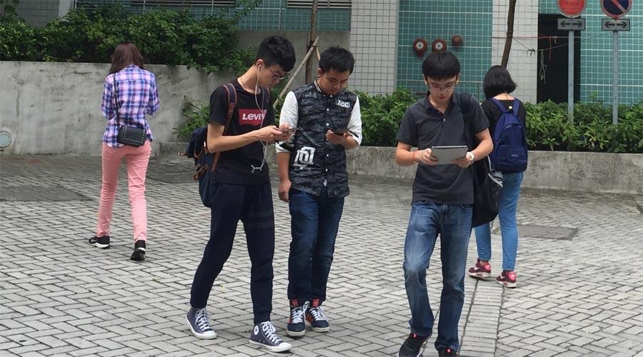 Smartphone_Pietons-WEB.jpg