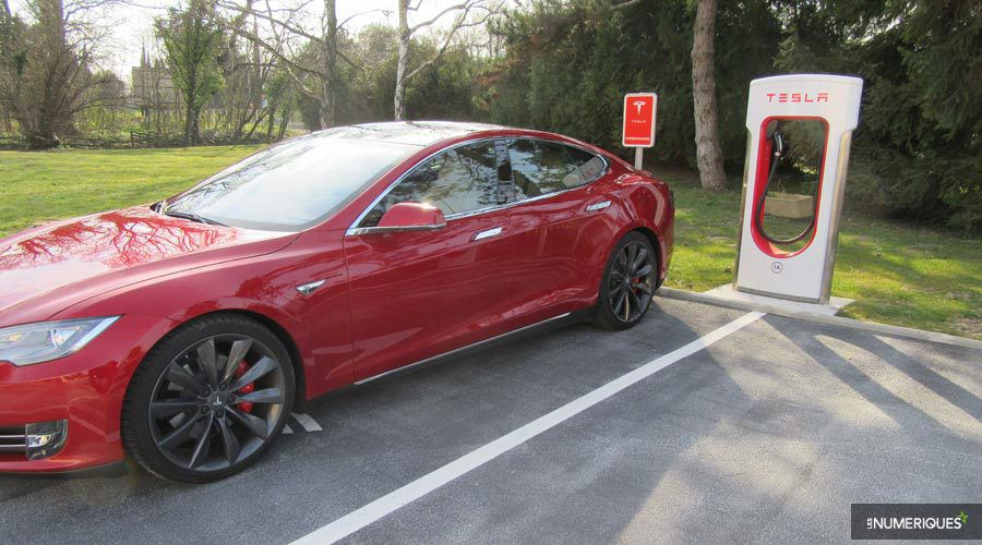 Tesla-Model-recharge-WEB.jpg