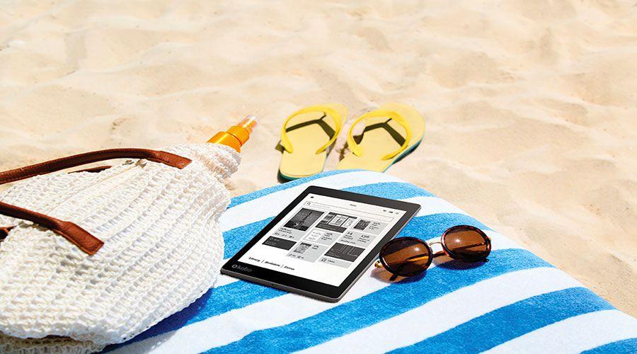 Kobo-Aura_One_Lifestyle_Beach-WEB.jpg