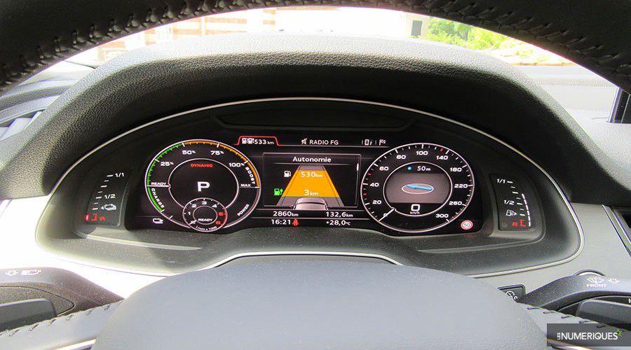 Audi-Q7-etron-dashboard-WEB.jpg