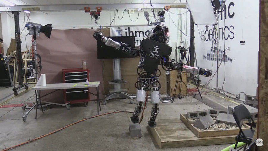 Atlas Boston Dynamics equilibre