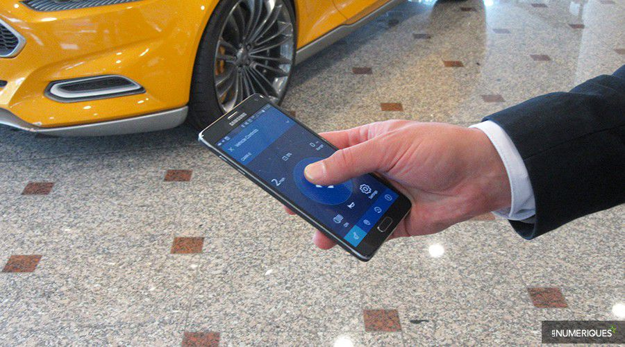 Ford-Carr-E-smartphone-WEB.jpg