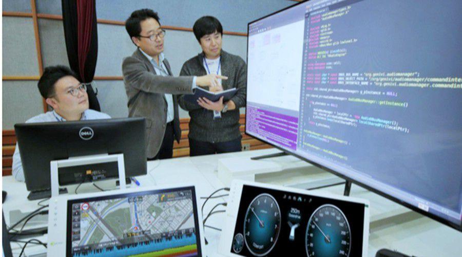Hyundai-CCOS-WEB.jpg